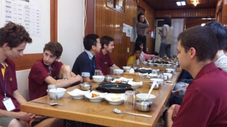 Le repas dans une auberge traditionnelle